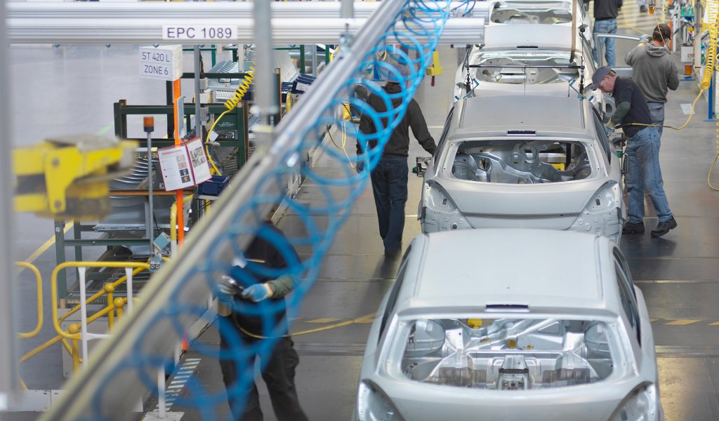 automotive industry research paper The research paper is an overview of the automotive industry in america which is further followed by an american automotive industry and porter's five forces.